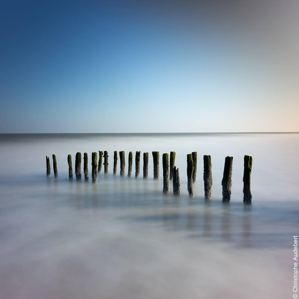 Poteaux dans la mer à Knokke le Zoute