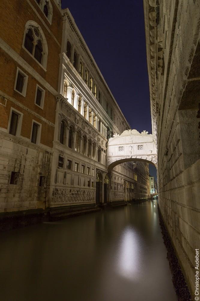 Le pont des soupirs à Venise en pose longue