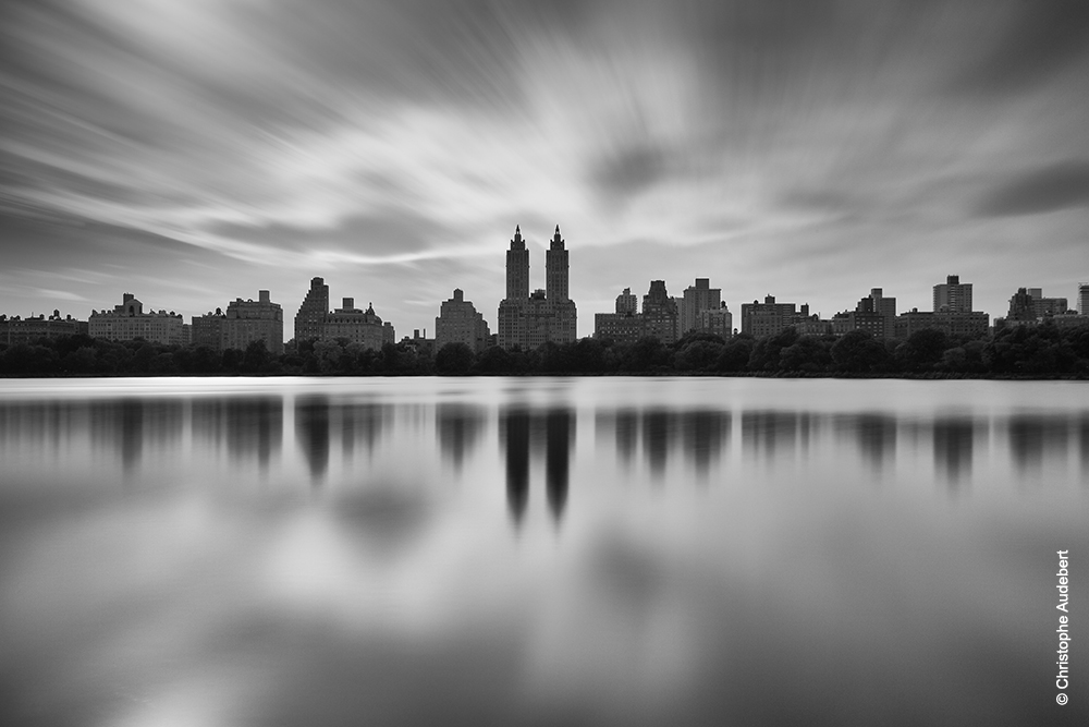 Manhattan skyline n&b depuis Central Park en pose longue - New York